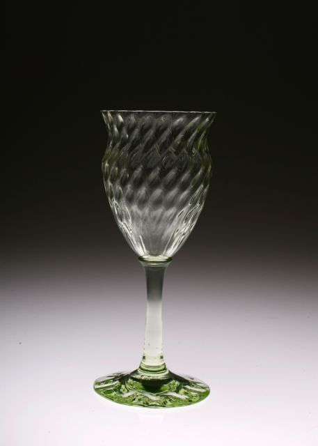 Emile Galle Wine Glass エミールガレ・緑_c0108595_15231514.jpg