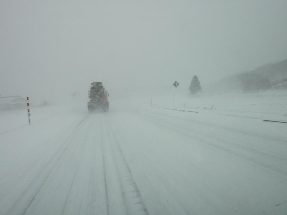 猛吹雪の一日_c0111229_18145089.jpg