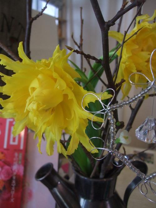 オークリーフ(黒い八重のクリスマスローズと、安行桜)_f0049672_189844.jpg