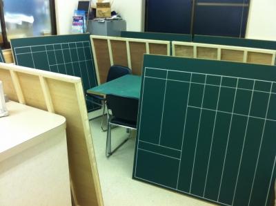 神戸小学校の学習予定黒板_c0215194_21482971.jpg