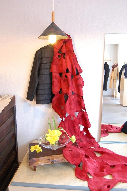 内山礼子さんの作品をもう少し紹介します。_a0112812_22171438.jpg
