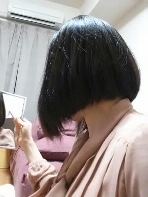 超髪切ったのにあんまイメージ変わりません。。_f0178313_234071.jpg