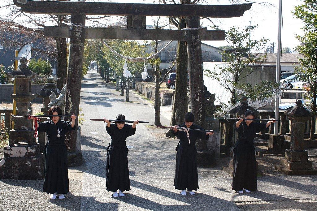 平成25年子供剣士居合道奉納_c0045448_2234433.jpg