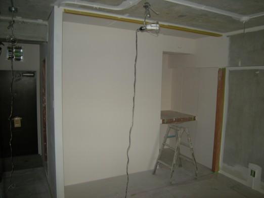 『広めのワンルーム空間をおしゃれに家具で間取るマンションリノベ』_e0052882_15504524.jpg