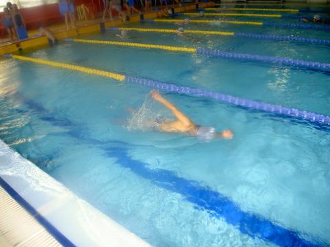 平泳ぎがんばるぞ!_b0286596_1713845.jpg