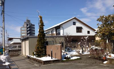 Q1X3富山の家:富山は青空_e0054299_1162484.jpg