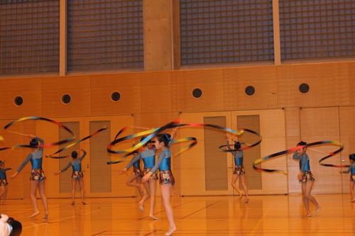 娘の新体操の発表会2013_e0123104_6434796.jpg