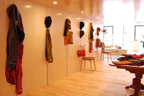 間宮和子さんから追加納品の帽子が届いています。_a0112812_21185124.jpg