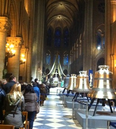 Notre Dame de Paris(ノートルダム寺院)の鐘_f0214437_321637.jpg