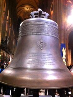 Notre Dame de Paris(ノートルダム寺院)の鐘_f0214437_3283455.jpg