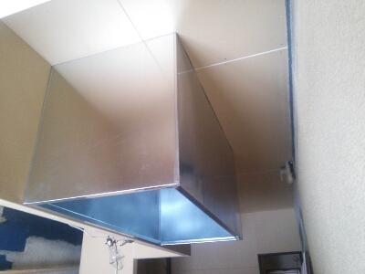 厨房フードの取り付け_b0104403_2316461.jpg