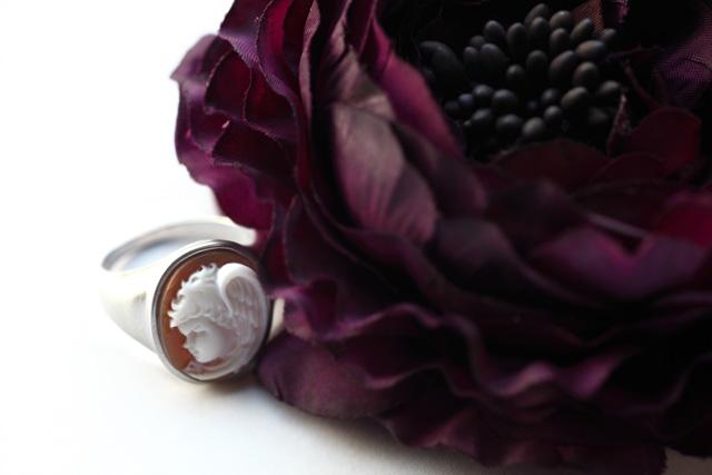 巨匠 ジェンナーロ・ガロファロによる天使の指輪_a0135756_17564620.jpg