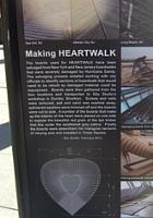 NYのタイムズスクエアに、歩いて楽しむ愛のアート、ハート・ウォーク(Heartwalk)登場中_b0007805_130598.jpg