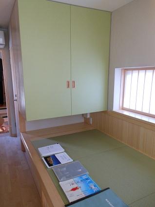 130214  スタジオ宙設計の極小敷地に建つ垂直長屋を体験_f0202414_2153450.jpg