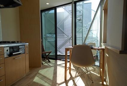 130214  スタジオ宙設計の極小敷地に建つ垂直長屋を体験_f0202414_2155664.jpg