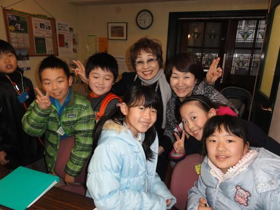 マスミ先生とみどり先生と子どもたち。_b0147941_164411.jpg