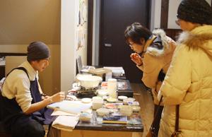 蔵織 日本画塾作品展は好評につき17日(日曜日)まで延長します_d0178448_0474232.jpg
