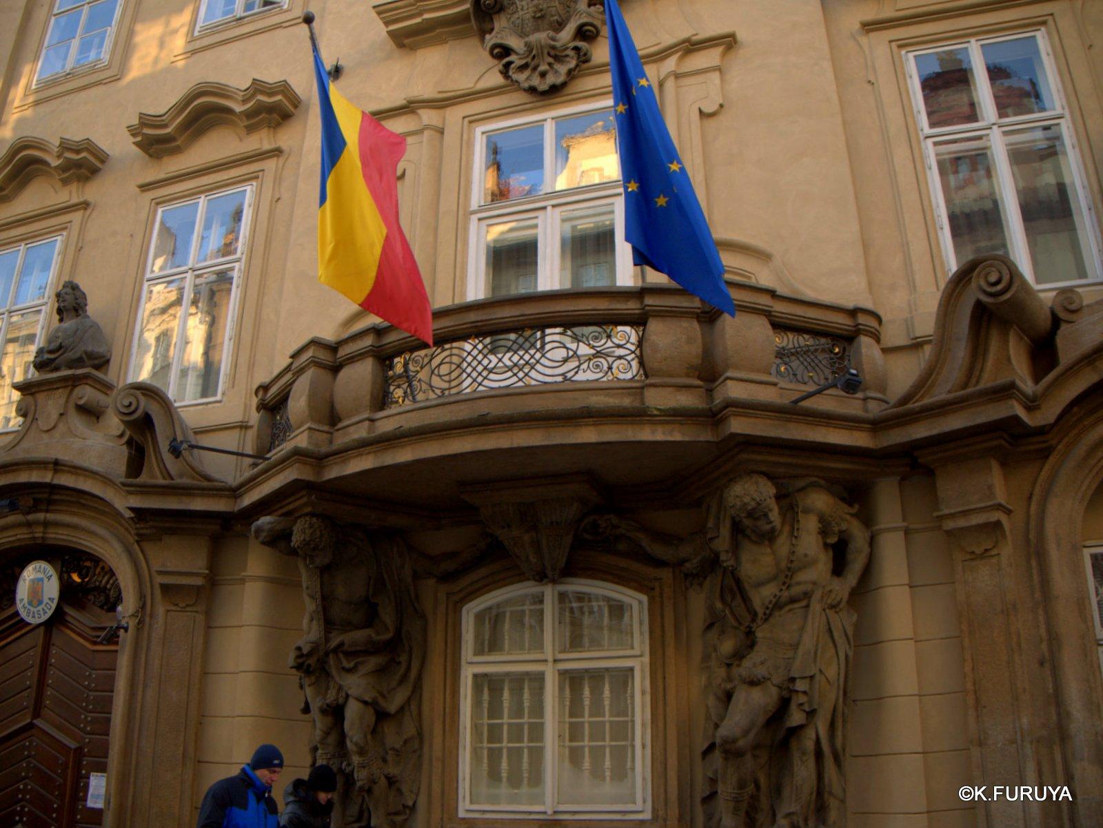 プラハ 11   ネルドヴァ通り _a0092659_1953164.jpg