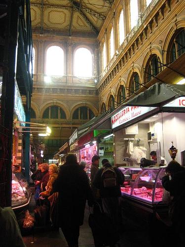 14/02/2013 中央市場のお食事処、ご注意。_a0136671_332926.jpg
