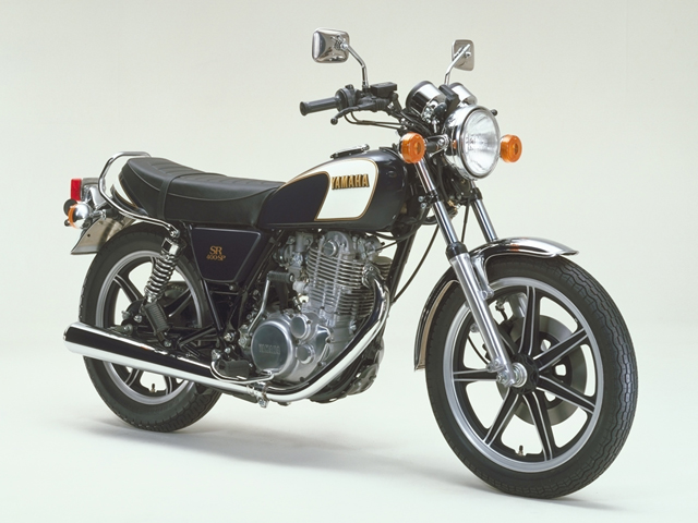 SR400 35周年記念モデル販売_a0279883_2543818.jpg