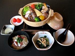 おすすめランチ「魚貝トマト鍋と蛸めし膳」_c0141652_951694.jpg