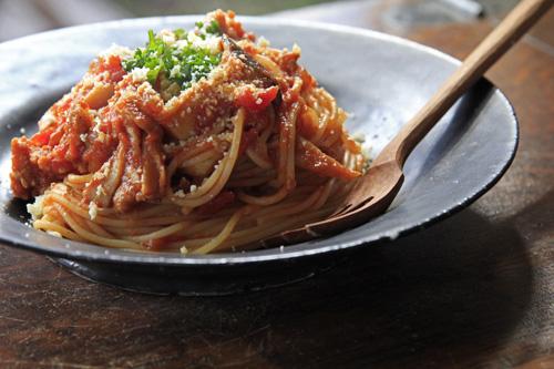 スパゲティトマトミートソース、ポルチーニの香り_e0205196_16554297.jpg