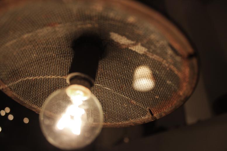 『金網鉄管照明』_f0192906_22475090.jpg