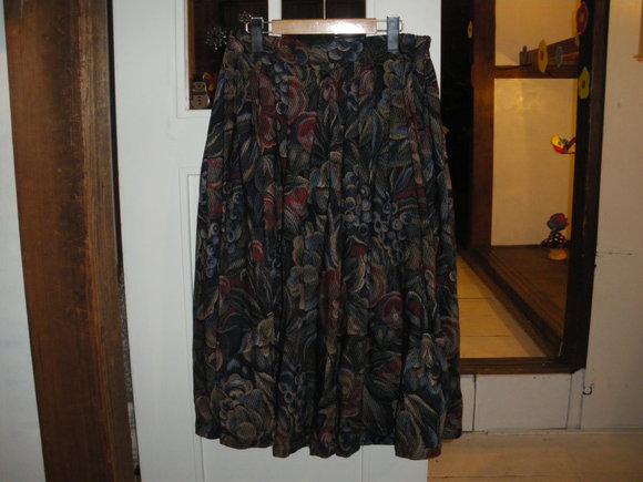 デニムサロペットと、スカート追加。_d0256914_049332.jpg