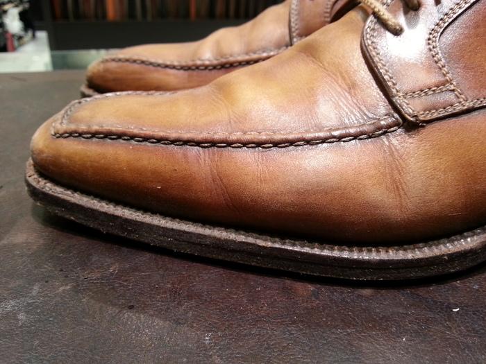 革靴、1ヶ月間手お入れをせずに履くと・・・_b0226322_13305197.jpg