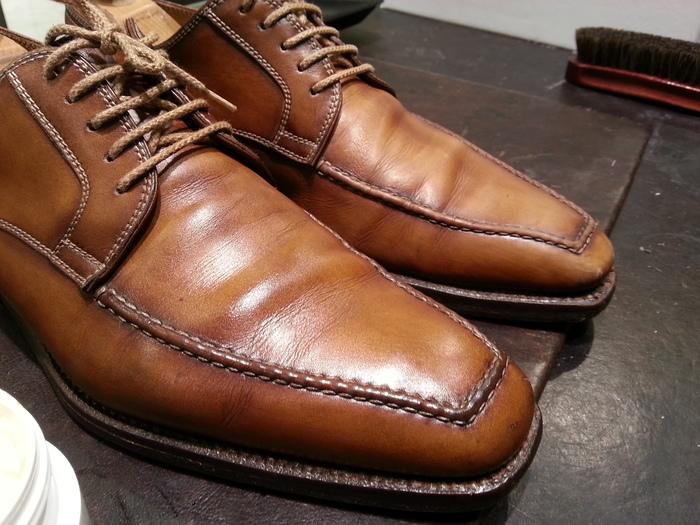革靴、1ヶ月間手お入れをせずに履くと・・・_b0226322_1543212.jpg