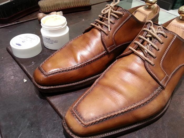 革靴、1ヶ月間手お入れをせずに履くと・・・_b0226322_1543458.jpg
