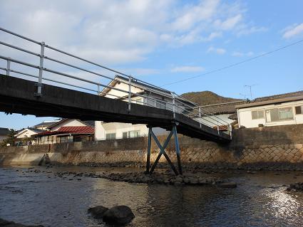 安浦、小さな橋の物語①_e0175370_21423346.jpg