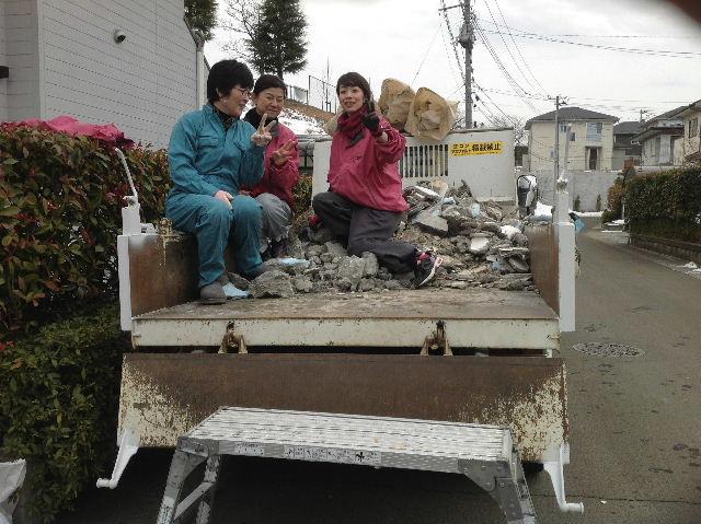 木工女子部とコンクリートガラ処分 他_f0031037_21483326.jpg