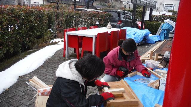 木工女子部とコンクリートガラ処分 他_f0031037_21583026.jpg