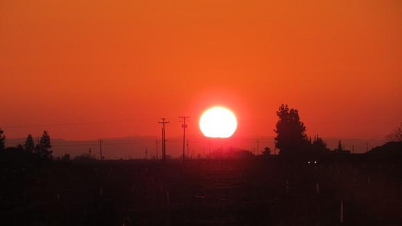 130221 ルート99号線、地平線に沈む真っ赤な太陽_d0288367_1115503.jpg
