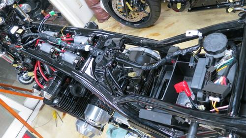 ZEPHYR1100 フルコンプリート車両製作 NO26_d0038712_2254550.jpg