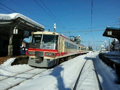 富山は、黒黒黒!!が並んでます_a0243562_22393995.jpg