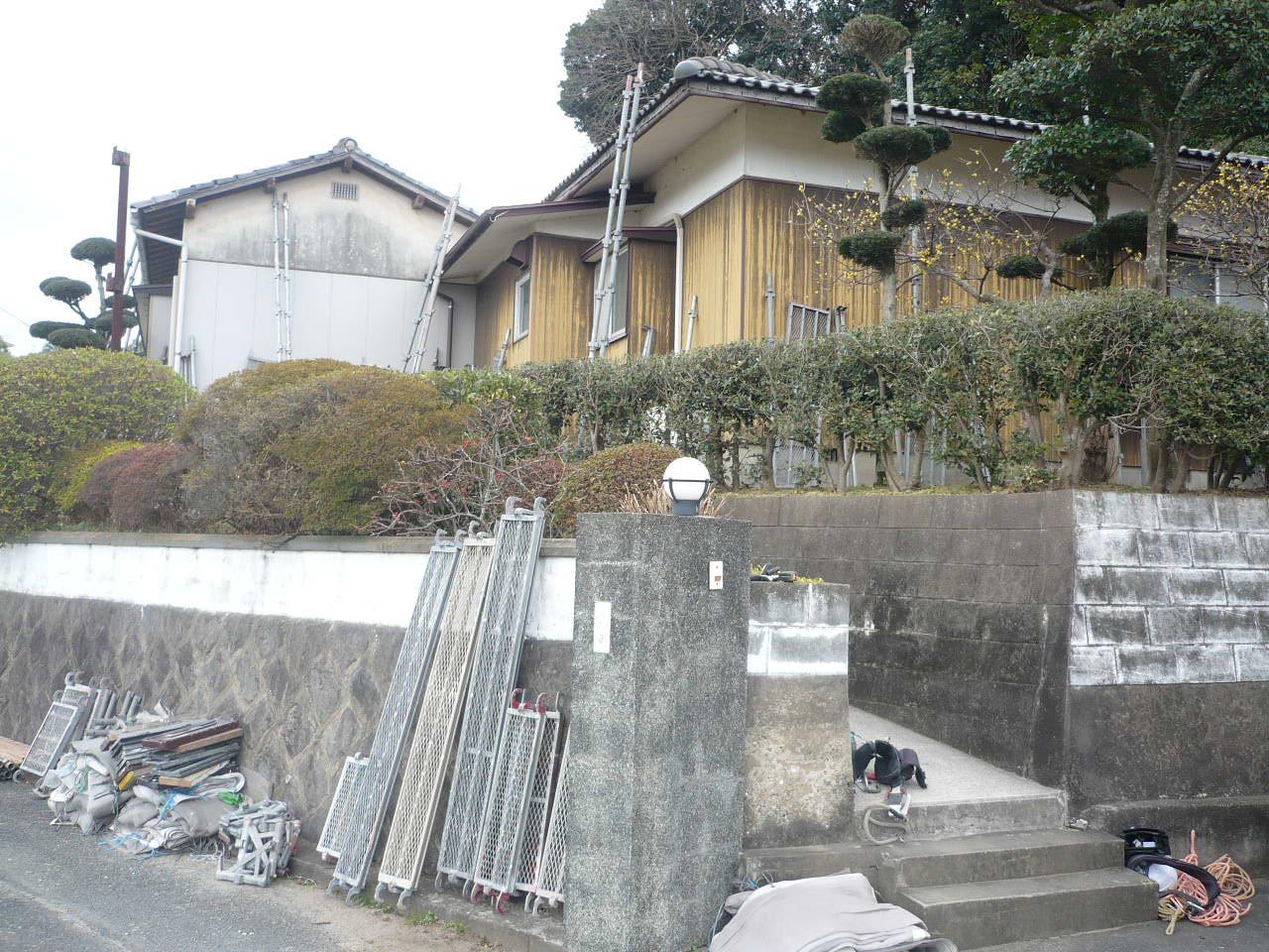 屋根・外壁・他 塗装工事 T邸 参考施工価格:¥110万-_e0268569_1131283.jpg