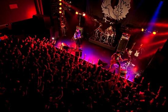 真空ホロウ 自主企画ライヴで新曲「アナフィラキシーショック」初披露!渋谷クアトロでのワンマンも決定_e0197970_1872194.jpg