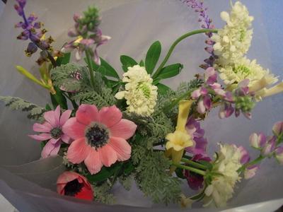 オークリーフ花の教室(落合さんの作品)_f0049672_1837616.jpg
