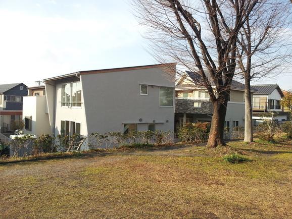 「公園の横に建つダブル発電に家」もうすぐ完成!_e0215179_106573.jpg