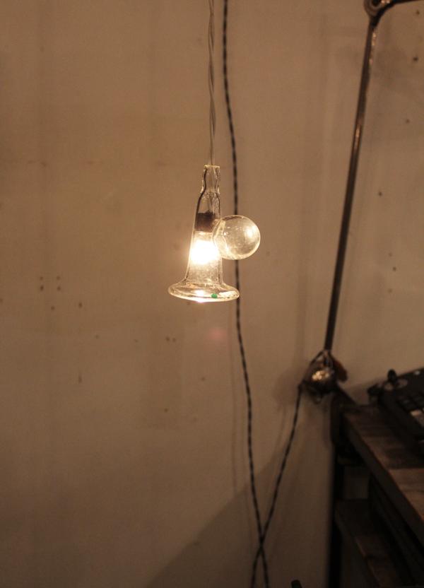 『硝子ラッパ照明』_f0192906_21145290.jpg