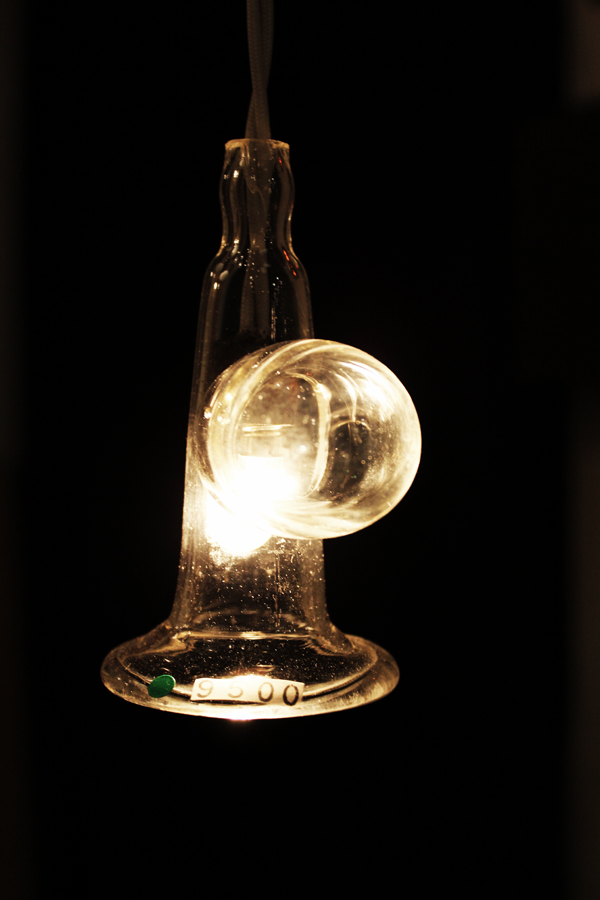 『硝子ラッパ照明』_f0192906_2191464.jpg
