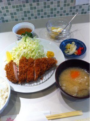 ロースかつ定食_d0235108_1220135.jpg