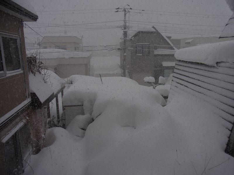 150センチをうかがう東区の積雪記録_c0025115_17534764.jpg