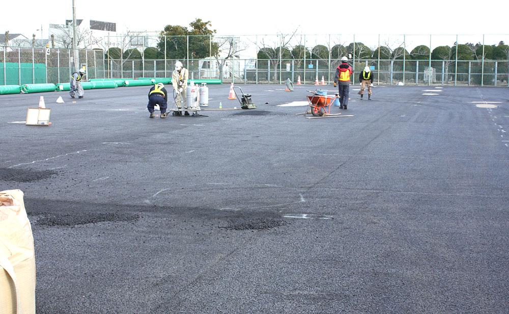 市営テニスコートの改修工事が進捗_b0114798_17154731.jpg