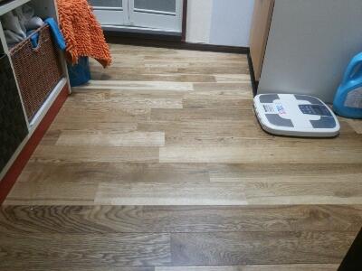 バスルーム床貼り_b0104403_22245538.jpg