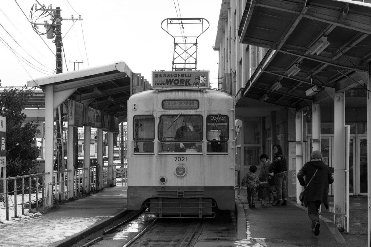 南富山駅_b0023523_1129448.jpg