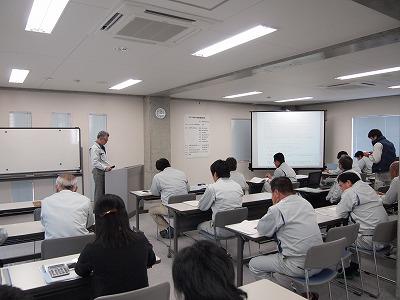 2013年 「中間経営報告会」を開催しました_f0151251_8492958.jpg