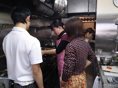 新築パーティーの為の料理教室_a0254053_0384975.jpg